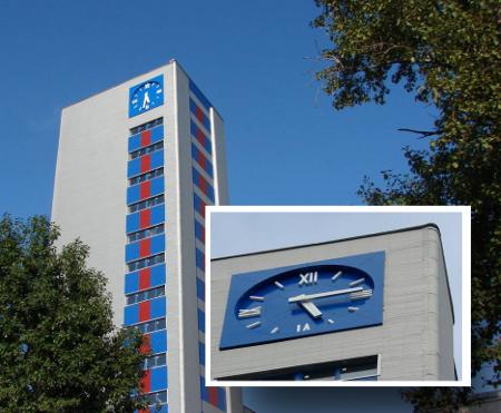 Фасадные часы Обуховского завода