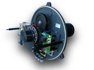 Механизм, приводящий в движение стрелки  4-х метровых фасадных часов (вид со снятым корпусом)