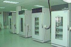 Шкафы с цезиевыми часами в USNO